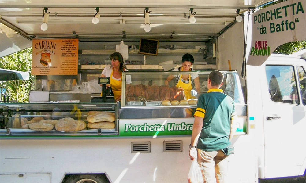Il miglior cibo di strada? La porchetta umbra è la regina dello street food
